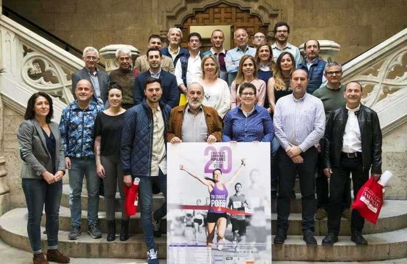 Alcaldes, concejales, representantes de la corporaciones locales y clubes de atletismo.