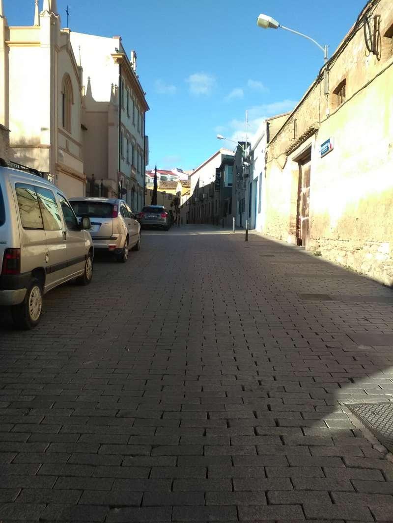 Una de las calles de Riba-Roja desierta. / EPDA
