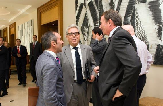 Medina,con Barrachina y Rafel Sánchez. FOTO DIVAL
