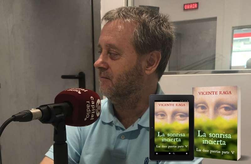 El escritor y político valenciano Vicente Raga en un programa de radio.