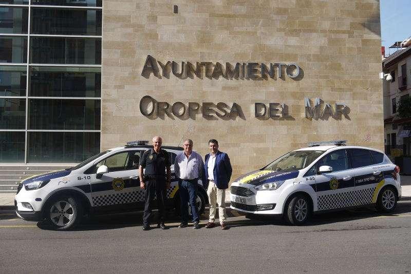 Nuevos coches de policía de Oropesa. EPDA