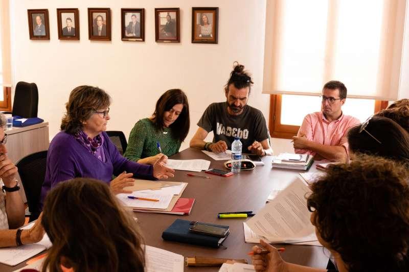 Reunión entre los responsables de ambos municipios. EPDA