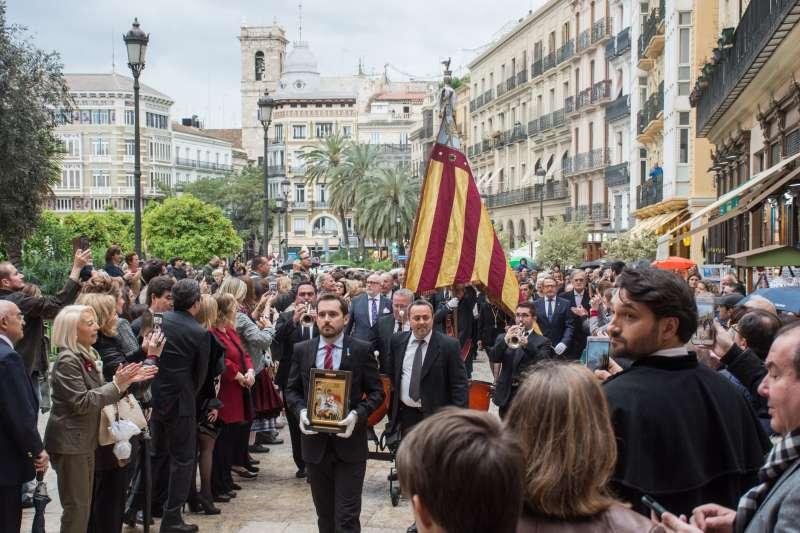 Procesión Cívica de Sant Jordi