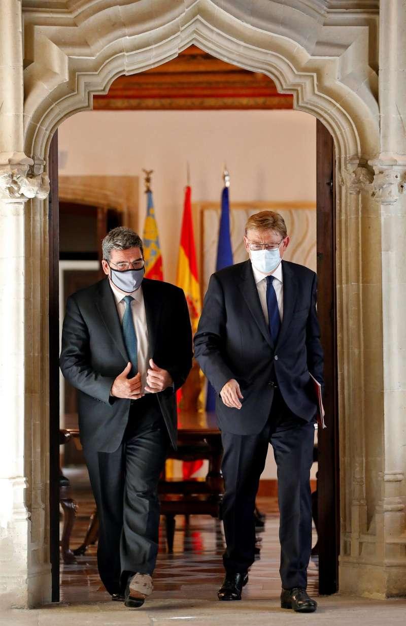 El president de la Generalitat, Ximo Puig, y el ministro de Inclusión, Seguridad Social y Migraciones, José Luis Escrivá. EFE