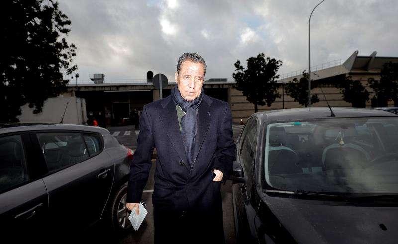 El expresidente de la Generalitat Eduardo Zaplana a su llegada a la oficina de presentaciones del juzgado. EFE/Archivo