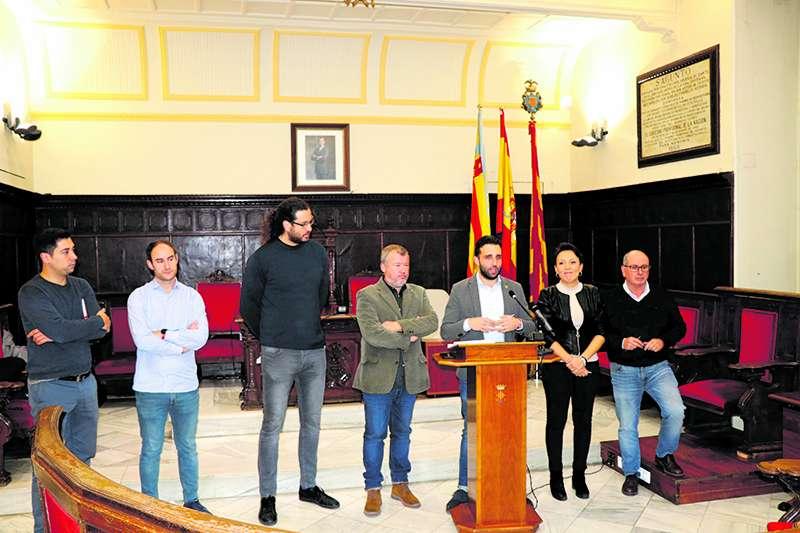 Representants del govern de Sagunt presentant els pressupostos de 2020. EPDA