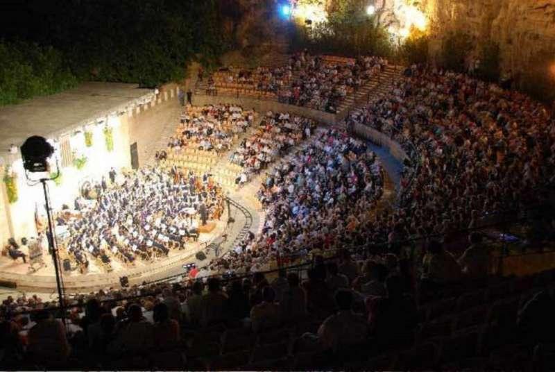 Imagen de la pasada edición del concierto Mano a Mano de Buñol. / EPDA