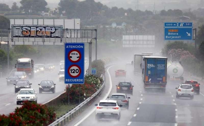Se trata de un aviso por acumulación de lluvia de hasta 20 mm en una hora. EFE