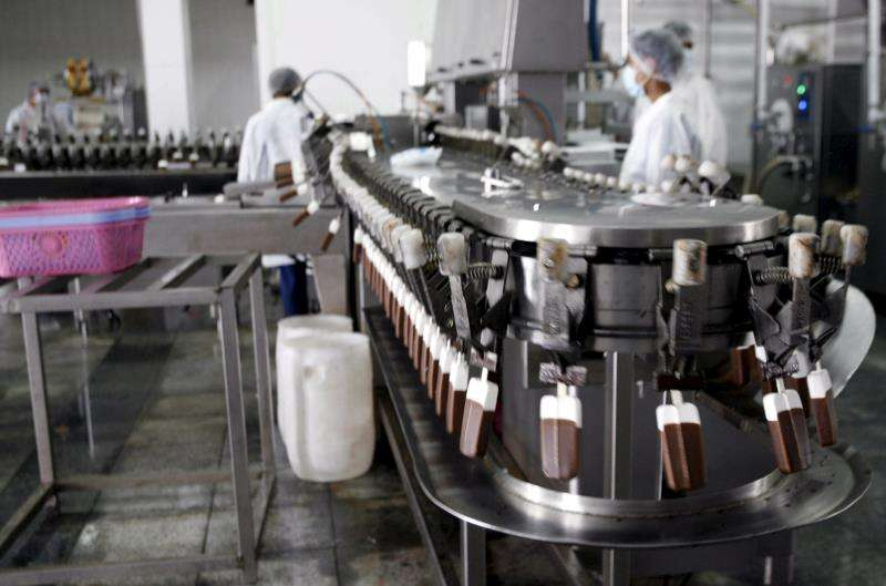 Cadena de una fábrica de helados. EFE/Archivo