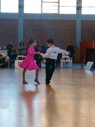 Bailando salsa, fotografía ganadora del concurso organizado por la Concejalía de Deportes de Rafelbunyol.