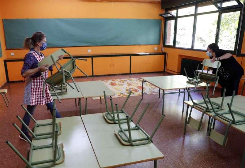 Vista de un aula de un colegio, en una imagen de esta semana. EFE