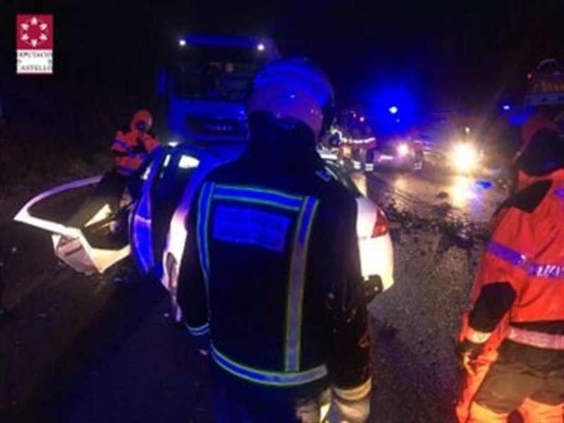 Los bomberos en el lugar del accidente, en una imagen del Consorcio de Castellón