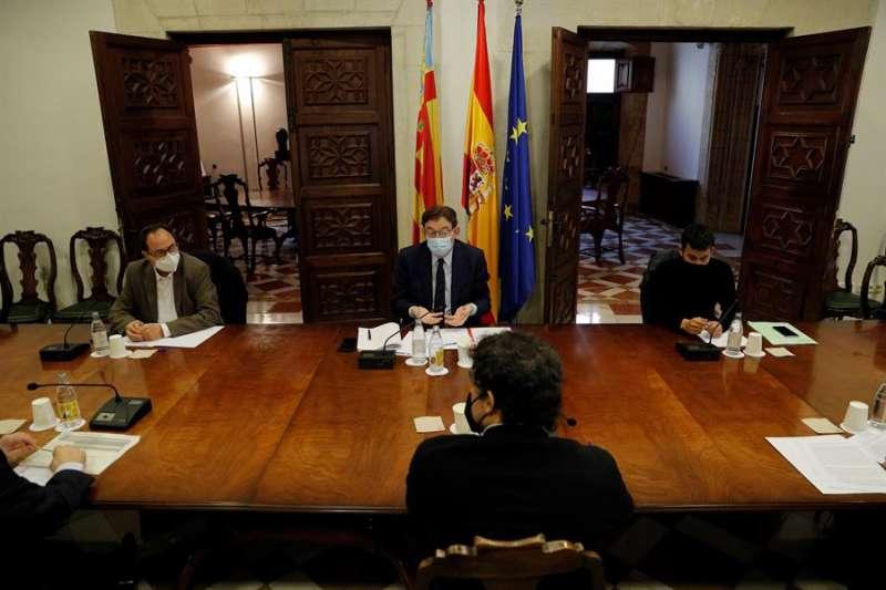 El president de la Generalitat, Ximo Puig, preside la comisión de seguimiento sobre las ayudas a los sectores más afectados. EFE