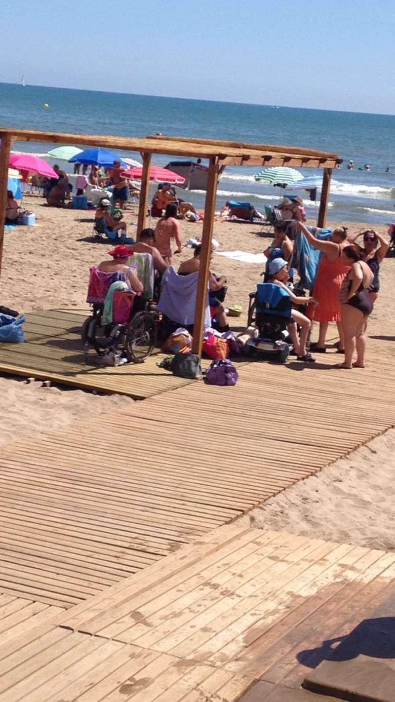 Plataformas de sombraje en las Playas de Alboraya.