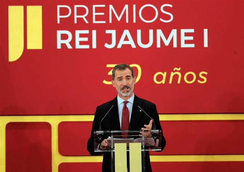 El rey Felipe VI presidiendo la entrega de los Premios Jaime I en su trigésima edición. EFE/ Manuel Bruque/Archivo