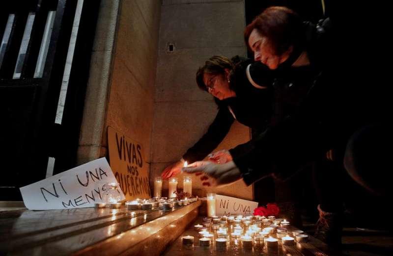 Acto de repulsa por la muerte de Marta Calvo y en solidaridad con su familia. EFE/Manuel Bruque/Archivo