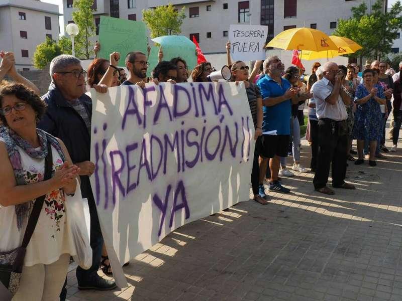 Manifestación frente al Centro Ocupacional de Manises. EPDA