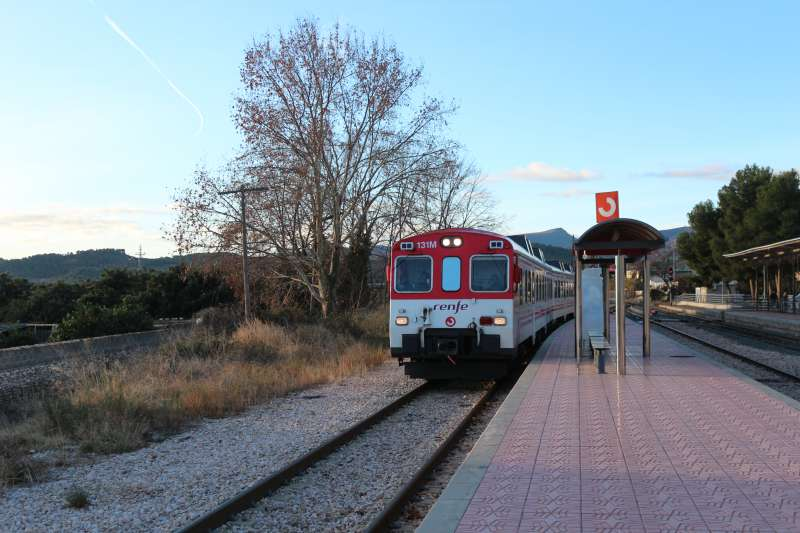 ADIF necesita en Navajas una vía alternativa para trenes de 750 metros