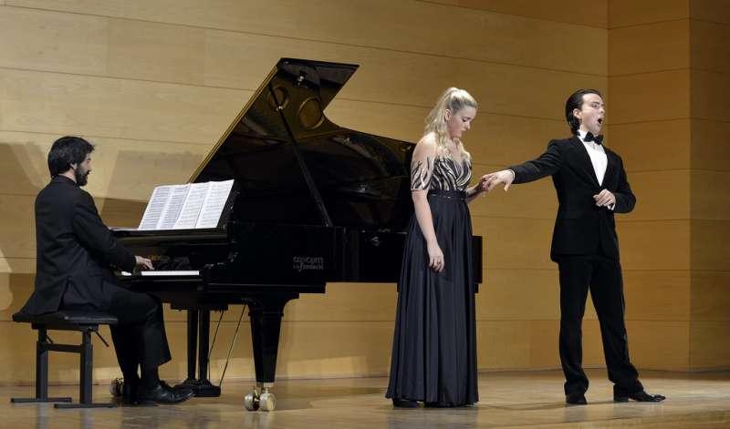 Cantantes de la academia de Música Gnesin durante una actuación