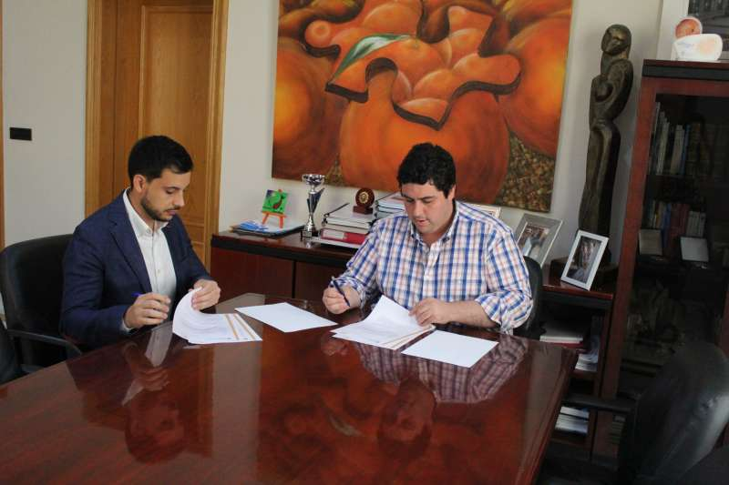 Firma del Conveni entre l