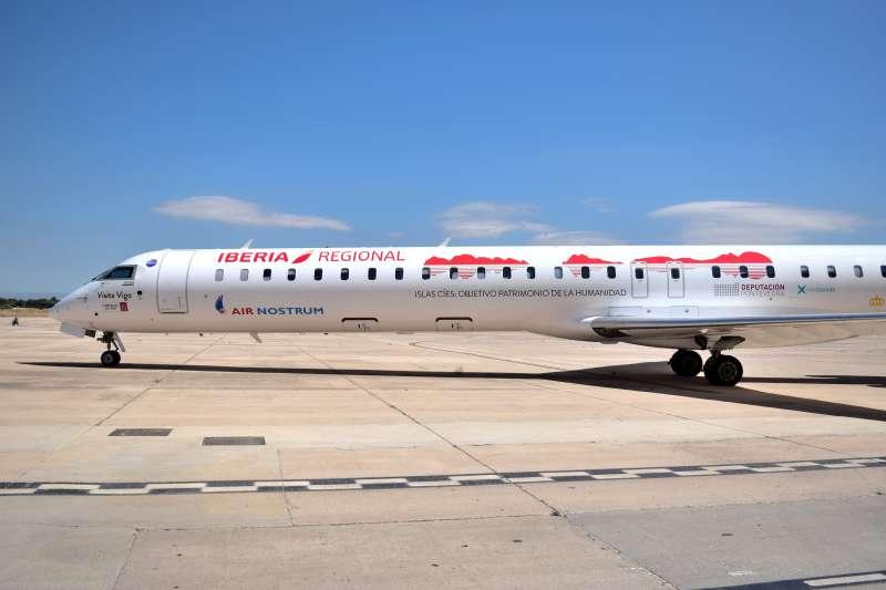 Avión de Air Nostrum dedicado a las Islas Cíes. EPDA