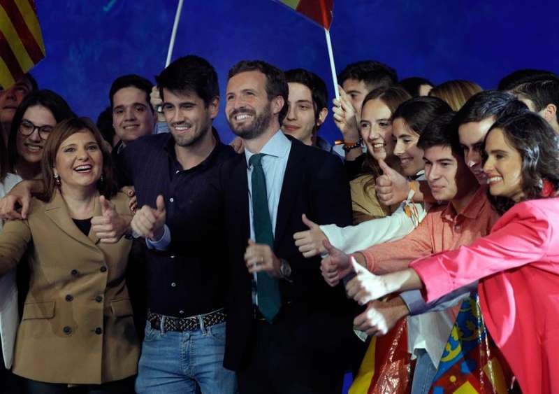 El líder del PP, Pablo Casado, a su llegada a mitín central del PPCV en València.EFE/Manuel Bruque