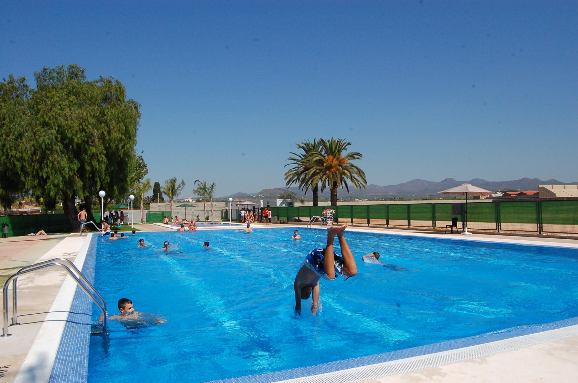 Rafelbunyol por tercer a o consecutivo proceder a la for Cuando abren las piscinas