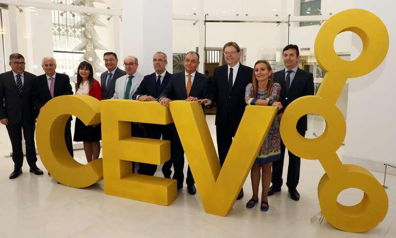 Ximo Puig durante la clausura de la Asamblea General de la Confederación Empresarial de la Comunitat Valenciana (CEV)