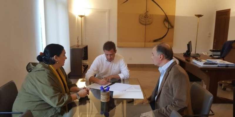 Signatura del conveni a Xàtiva. EPDA