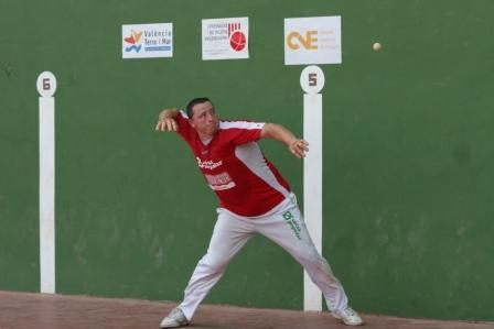 Paco Casares, disputando un partido. FOTO: EPDA.
