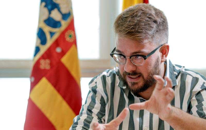 Entrevista con el secretario autonómico de Diversidad, Alberto Ibáñez. EFE