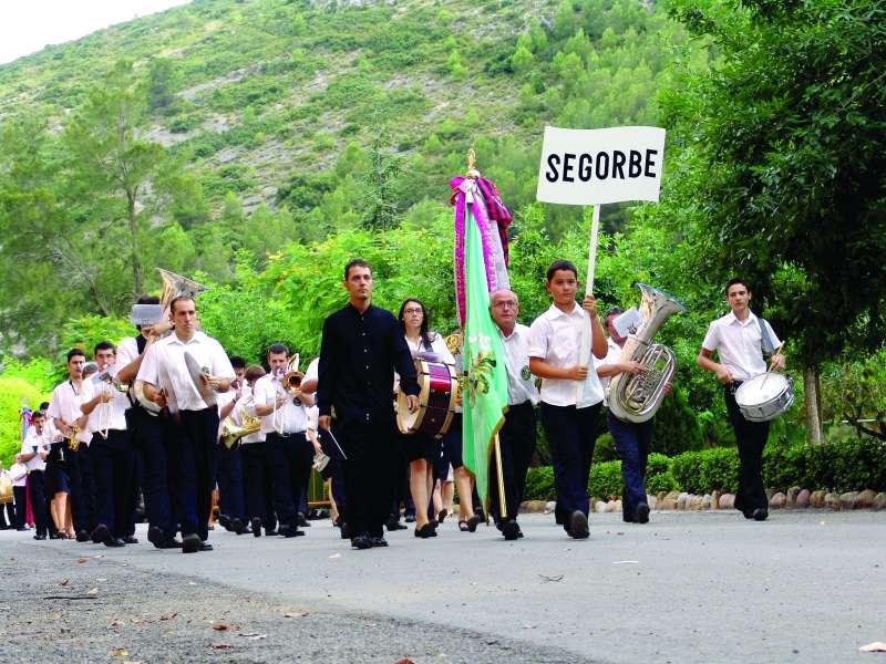 Desfile de la Banda de Segorbe en un festival de Jérica