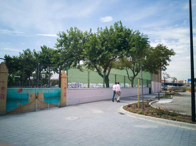 Entorno reurbanizado del centro El Cid de Mislata.