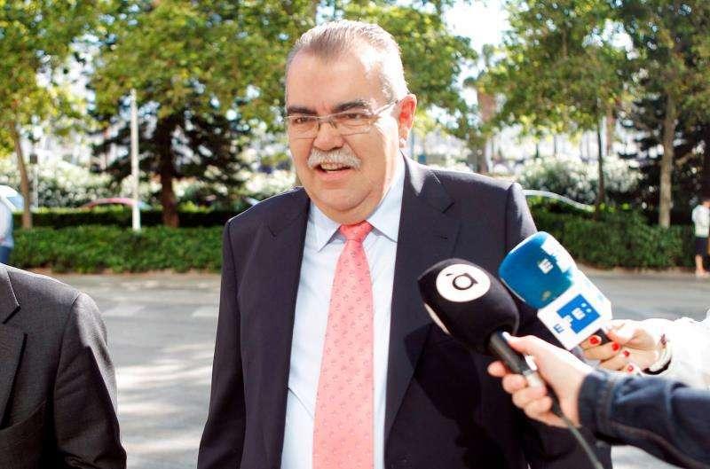 El conseller de Hacienda y Modelo Económico, Vicent Soler, durante el pleno de Les Corts Valencianes donde ha explicado sus proyectos para la presente legislatura. EFE/Biel Aliño