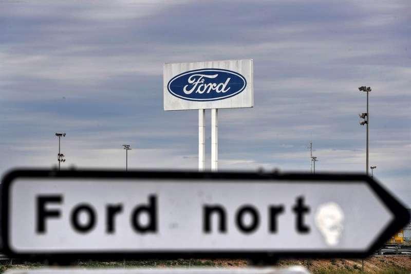 Imagen de la planta de Ford en Almussafes (Valencia), donde este lunes han retomado la actividad tras un parón vacacional. EFE/Kai Försterling