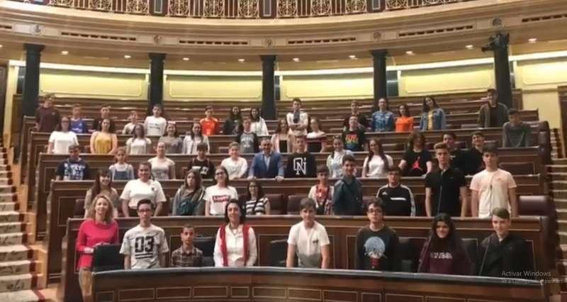 Los alumnos en el congreso con Miguel Barrachina
