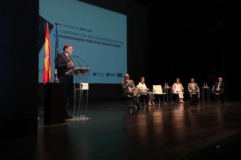 Ximo Puig durante la presentación del Cuarto Informe del SUPV. GVA