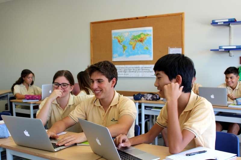 El Complejo Educativo Mas Camarena supera a Finlandia en las pruebas PISA
