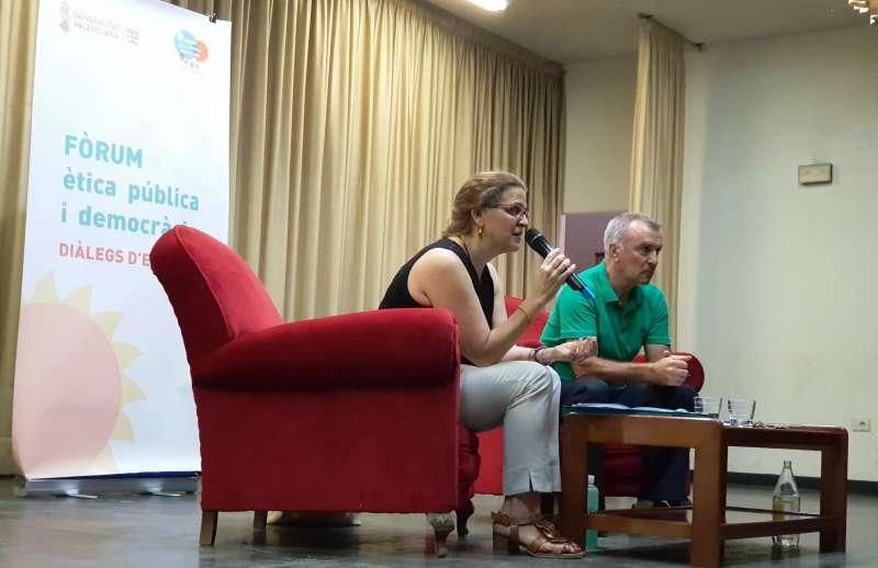 Elena Cebrián se reunió con vecinos de Viver