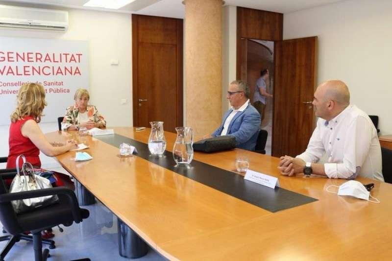 Imagen de la reunión publicada por la Conselleria de Sanidad en sus redes sociales. EFE
