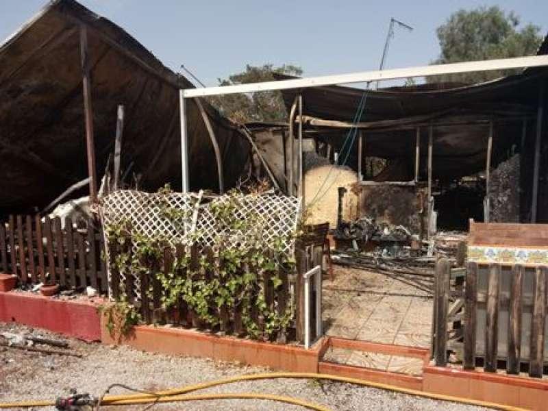 Incendio en el camping del Puig. EPDA