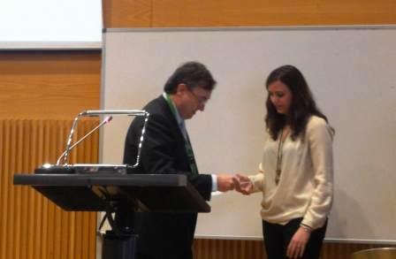 Entrega del premio a Marta Requesens Rueda, del instituto Menéndez y Pelayo de Barcelona. Foto EPDA