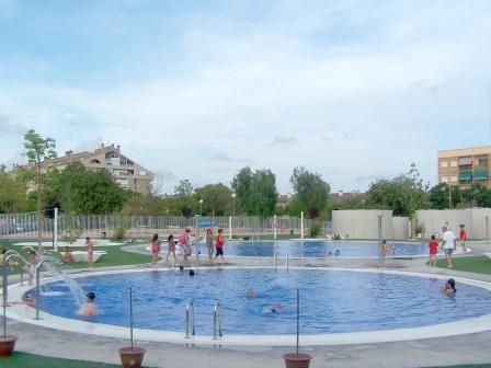 La piscina descoberta de godella reobri les seues portes for Piscina municipal manises