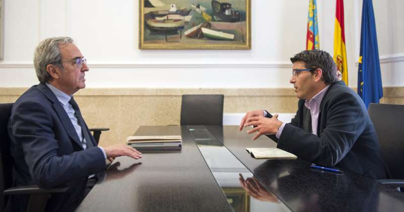 Reunión de la Diputación de Valencia con el IVIE. Foto Abulaila.