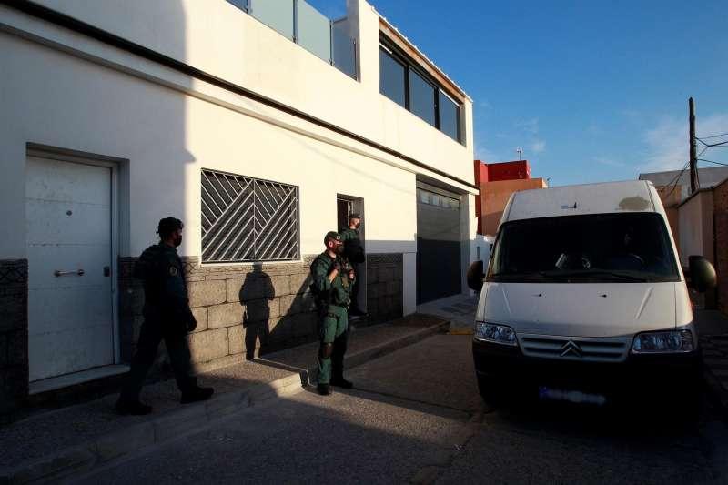 Agentes de la Guardia Civil intervienen en un suceso.