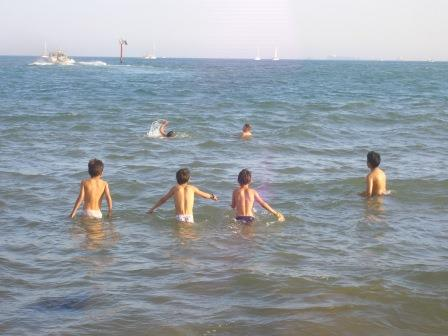 La Concejalía pone en marcha esta actividad infantil, que se enmarca dentro del proyecto social ?Una playa para todos. El sentir del sol?. FOTO: EPDA.
