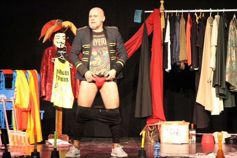 Actuació de Xavi Castillo a Picassent. EPDA