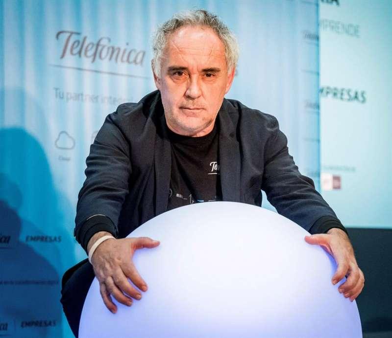 El cocinero Ferran Adrià durante una entrevista con EFE