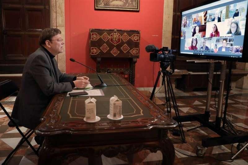 Ximo Puig durante el Pleno del Consell en el que se aprueba un decreto de ayudas directas a los autónomos. EFE