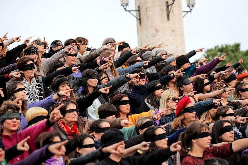 Más de 200 mujeres convocadas por la Asamblea Feminista de Valencia. EFE/Manuel Bruque